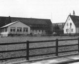 Grundschule Büttendorf mit dem Erweiterungsbau (1992)